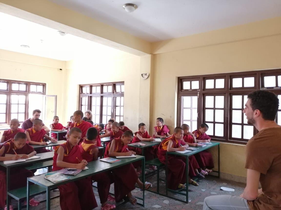 volunteer project: Teaching English to Buddhist Monks photo 1