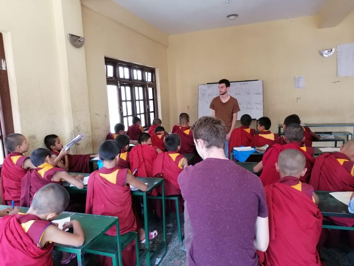 volunteer project: Teaching English to Buddhist Monks photo 2