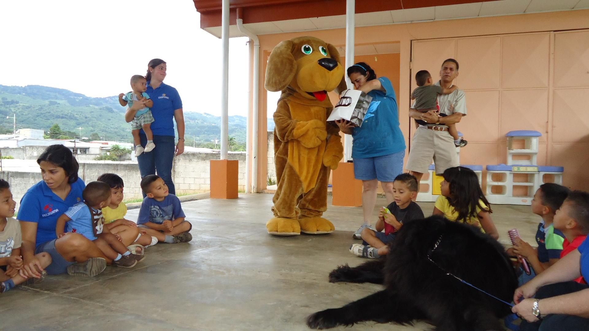 volunteer project: HOGAR SOL (Children's Shelter) photo 1