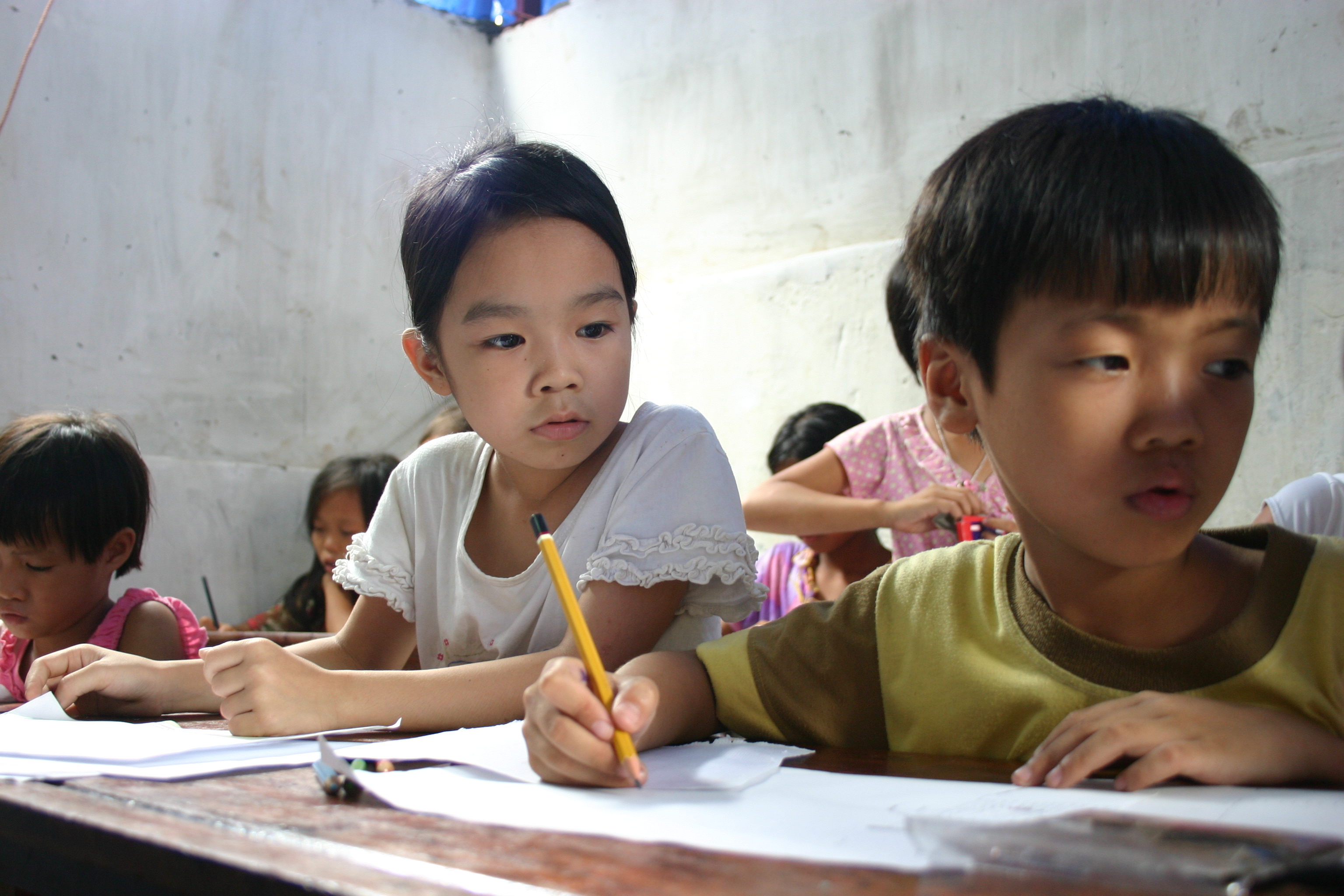 volunteer project: Interacting with disadvantaged children at Youth Center photo 3