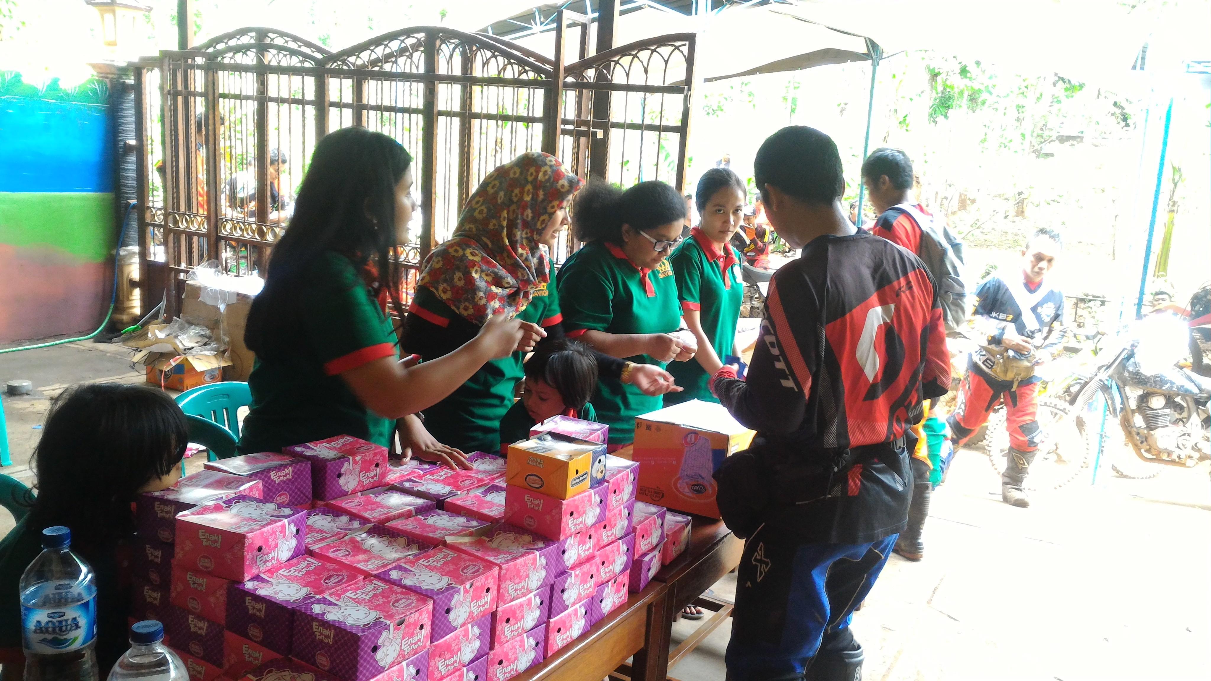 volunteer project: Bahtera Kasih Xmas Camp photo 1